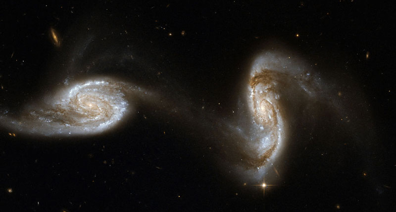 NGC 5257 and NGC 5258 Interacting Galaxies